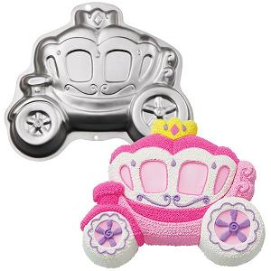 http://www.babygeartoday.com/wp-content/uploads/princess-carriage-cake-pan.jpg